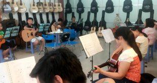 lop-guitar-dem-hat-sang-246-660x330